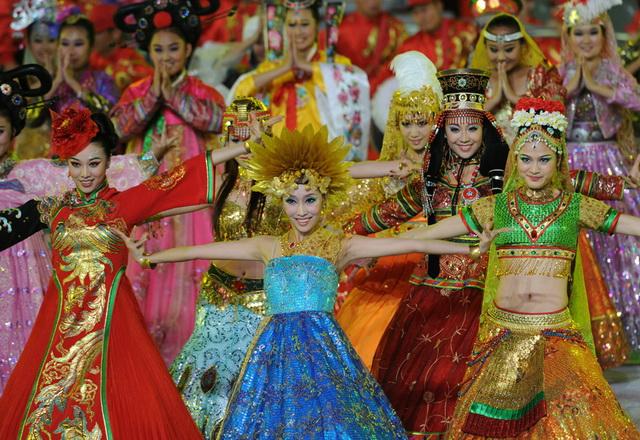 Церемония открытия 16-х Азиатских игр в Гуанчжоу
