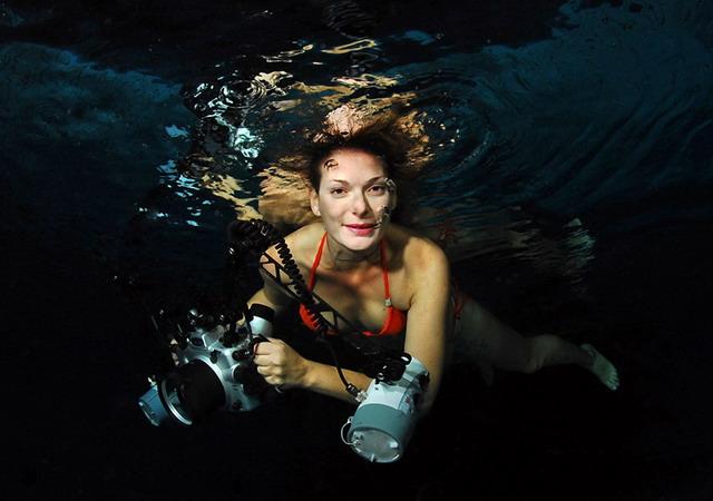 Голая подводная мода