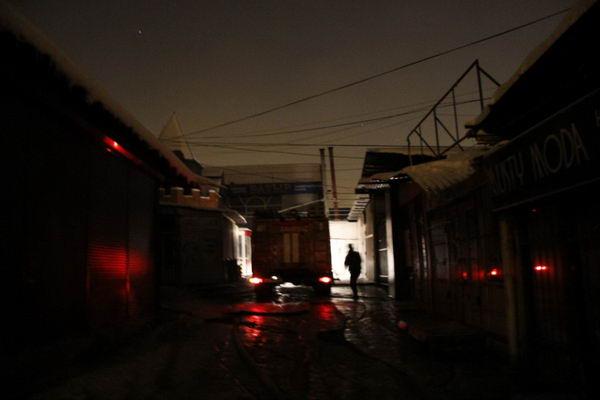 пожар на барахолке в Алматы